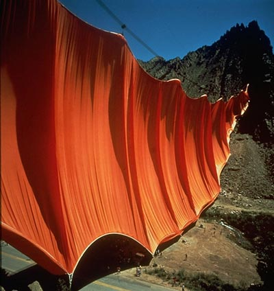 http://lamblegs.files.wordpress.com/2010/06/christo-and-jeanne-claude-valley-curtain-rifle-colorado-1970-72.jpg